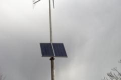 Eolienne Whisper couplée au photovoltaïque